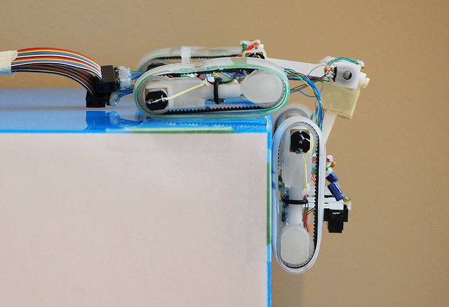 Kiipeilevä robotti (Simon Fraser University)